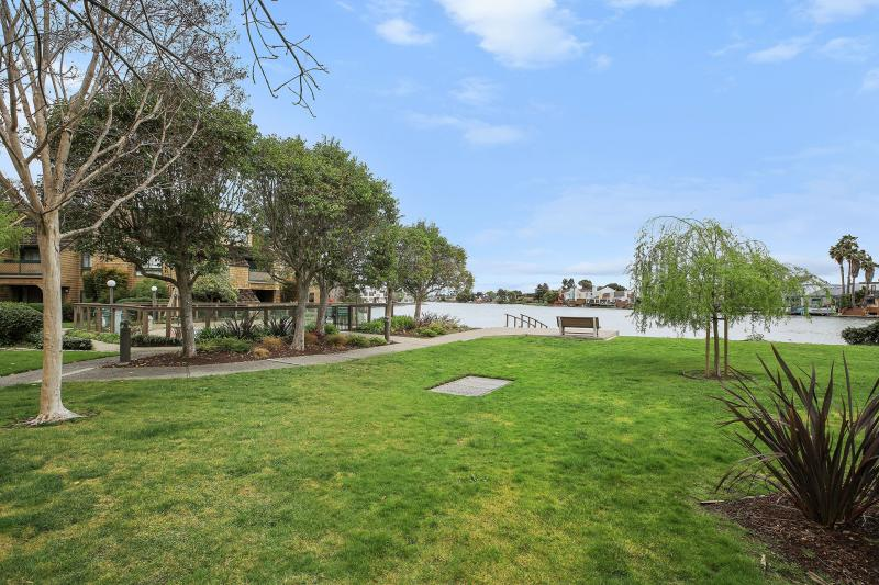 29 Cove Ln, Redwood City #1