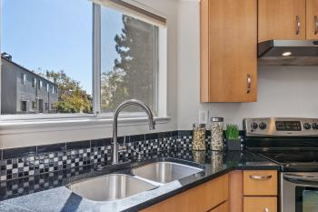 11 East Court Ln, Foster City #25