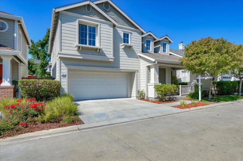 135 Eyelet Lane, Redwood City #1