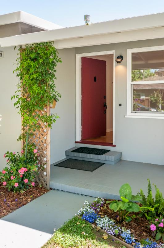 330 Bloomfield Road, Burlingame #1