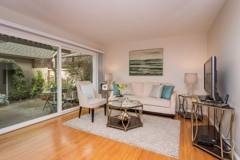 1037 Grebe St,  Foster City #1